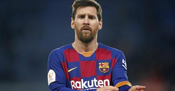 Barcelona anuncia saída de Messi por obstáculos contratuais